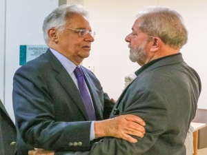 FHC depõe como testemunha de defesa de Lula em processo que investiga sítio em Atibaia.
