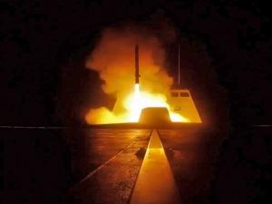 Exército sírio diz que ataque dos EUA e aliados deixou 3 feridos em Homs.