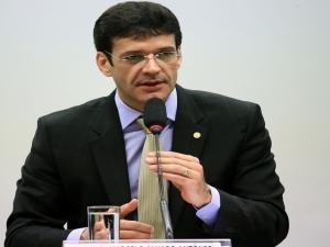 Bolsonaro exonera Marcelo Álvaro Antônio do Ministério do Turismo para tomar posse na Câmara.