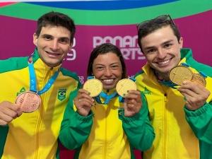 Melhor participação da canoagem na história do Pan ajuda a elevar Brasil no quadro de medalhas.