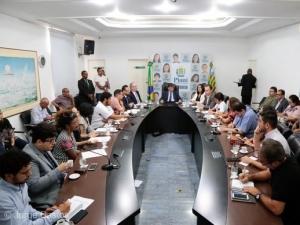 Governo apresenta alternativas para encerrar greve da Uespi.