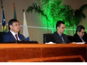 Governador prestigia posse da nova diretoria e comemoração dos 50 anos da Justiça Federal do Piauí.