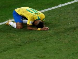 Imagem polêmica mundo afora e silêncio fecham Copa de um Neymar coadjuvante.