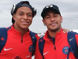 Questionado sobre possível saída de Neymar, Mbappé ironiza: