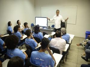 Diretor da Rede Globo fala sobre Sinal Digital para alunos do SENAI.