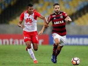 Apatia dentro e fora de campo: ''novo'' Flamengo é reprovado em 1º grande teste.