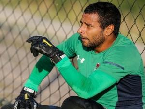 Rodolfo se abala com flagra em doping, e Fluminense é solidário; especialistas analisam caso.