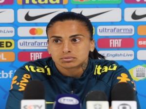 Roma anuncia contratação da brasileira Andressa Alves: