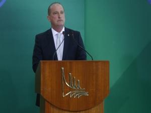 Derrota de Renan 'vai fazer bem para o país', diz Onyx após eleição no Senado.