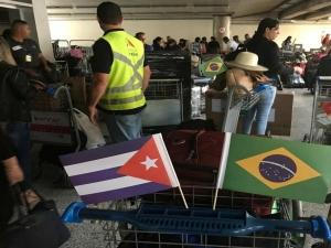Saída de cubanos do Mais Médicos antecipa formaturas e muda datas de consultas no Brasil.