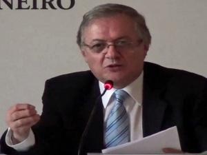 Bolsonaro anuncia Ricardo Velez Rodriguez como ministro da Educação.