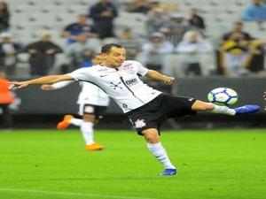 """""""Reidriguinho"""": artilheiro do Corinthians aprova apelido, mas não se vê protagonista."""