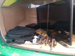 Suspeitos de assalto a padaria são presos e PM descobre depósito de produtos roubados em Teresina.