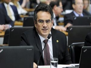 PF faz buscas em endereços do senador Ciro Nogueira, presidente do PP.