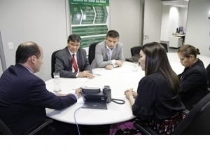 Wellington Dias discute situação dos aeroportos piauienses com presidente da ANAC.