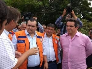 'Prioridade é atender famílias atingidas pelas enchentes', diz ministro durante vistoria na Barragem