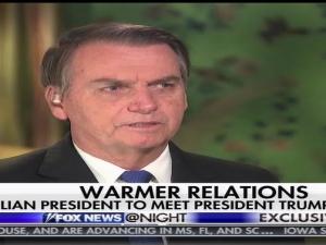 'Queremos que a Venezuela volte à democracia', diz Bolsonaro a TV dos EUA.