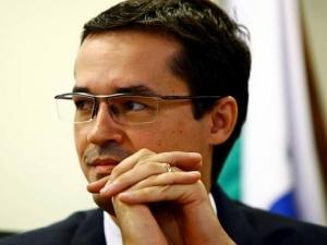Site diz que Moro e Deltan combinavam atuações no âmbito da Lava-Jato.