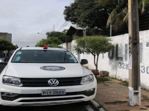 Bandidos rendem empresário e roubam carro na Zona Leste de Teresina.