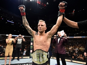 """TJ Dillashaw provoca: """"UFC está me pagando para descer e matar a divisão peso-mosca"""""""