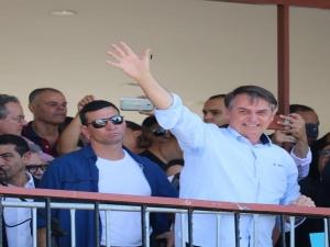 'Bandidos de esquerda começaram a voltar ao poder' na Argentina, diz Bolsonaro.
