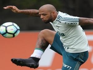Palmeiras tem disputa intensa por vaga no meio de campo; Felipe Melo é opção.
