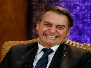 Ministros da ala militar defendem que Bolsonaro procure Maia.