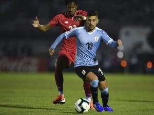 Após bom desempenho em amistoso do Uruguai, Arrascaeta ganha destaque e vira manchete.