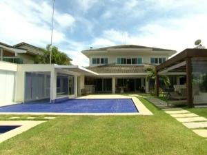 Mansão de Cabral em Mangaratiba é leiloada por R$ 6,4 milhões.