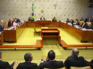 Maioria do STF vota por manter indulto assinado por Temer; pedido de vista adia decisão.