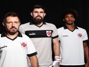 Vasco divulga nova terceira camisa; estreia será contra o São Paulo.