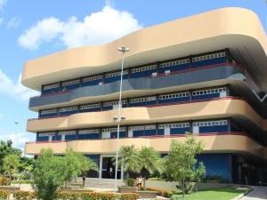 TCE apura motivo de obras estarem paradas há mais de 10 anos no Piauí.