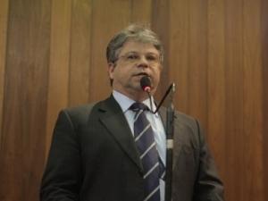 Gustavo Neiva desafia governo a provar fraude em lista.